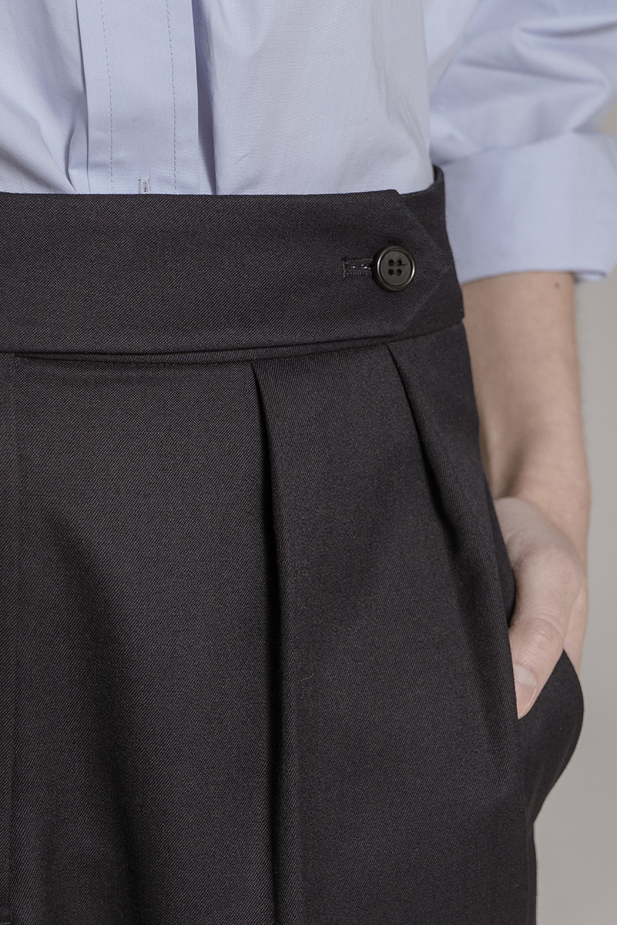Wide leg pin-tuck PT Navy [03.31(TUE) PM12:00]
